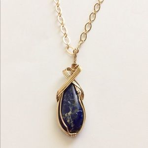 wirequeen Jewelry - NWTS Lapis lazuli in 14kt goldfilled wire necklace